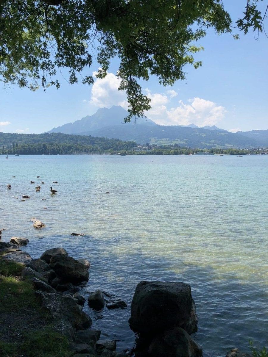 Unser Hausberg Pilatus direkt gegenüber vom See in Luzern