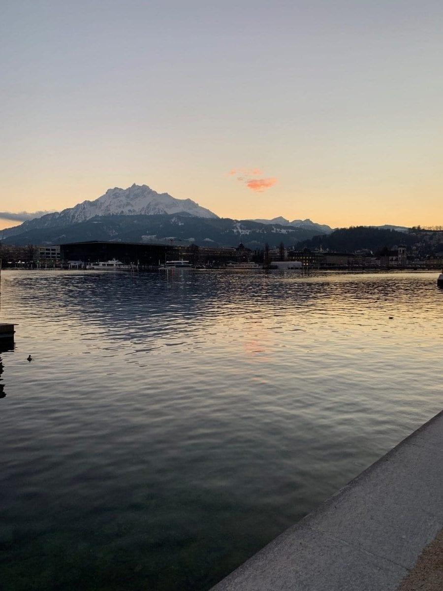 Seeblick auf den Vierwaldstätter See in Luzern, Schweiz